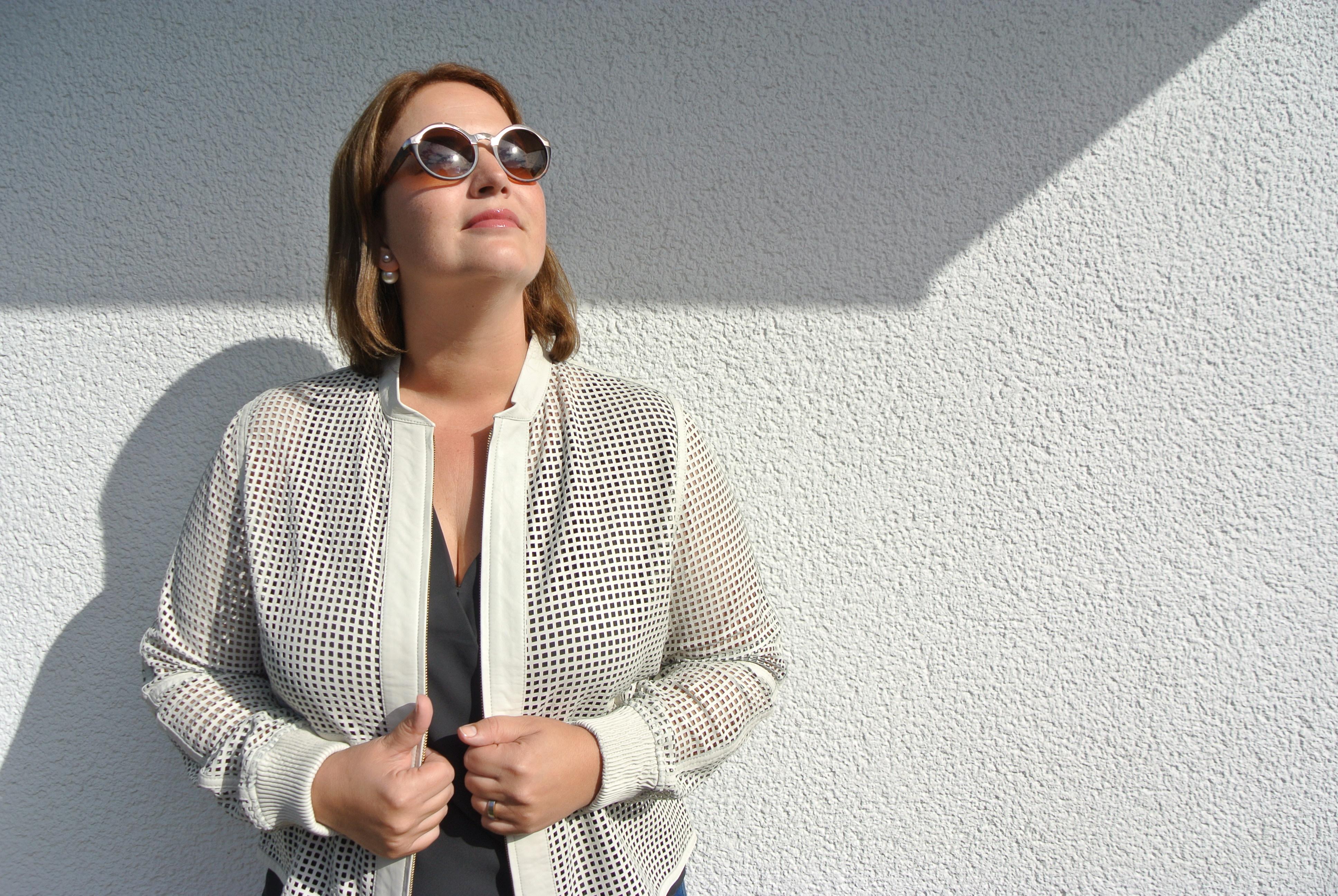 weiße Sommer-Lederjacke in Netzoptik von Triangle by S. Oliver