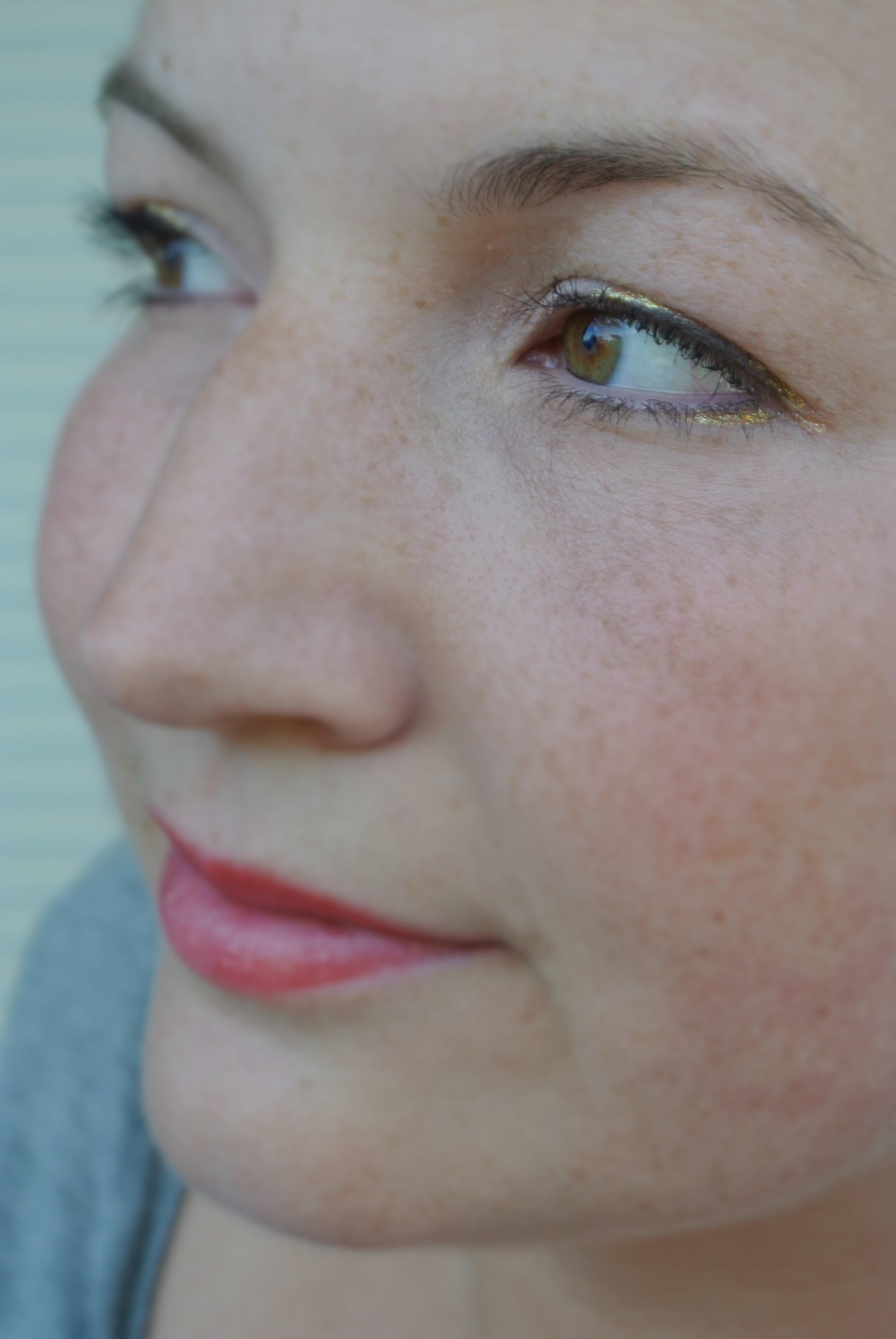 Eyeliner gold