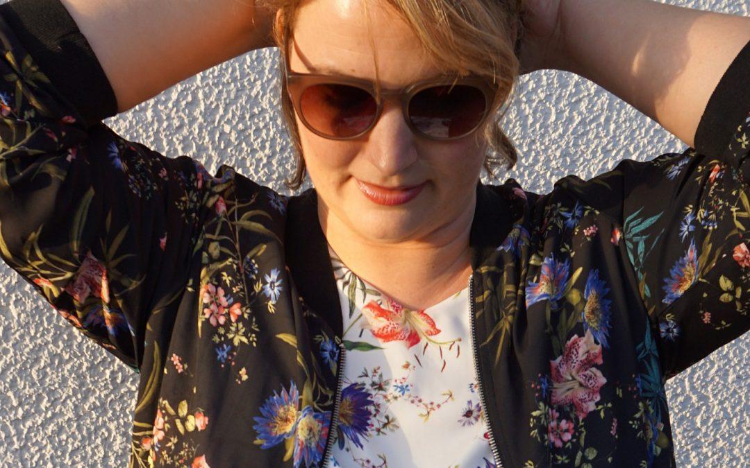 Flower Bomb – mein Frühlings-Outfit und warum ihr mich bald im TV sehen werdet